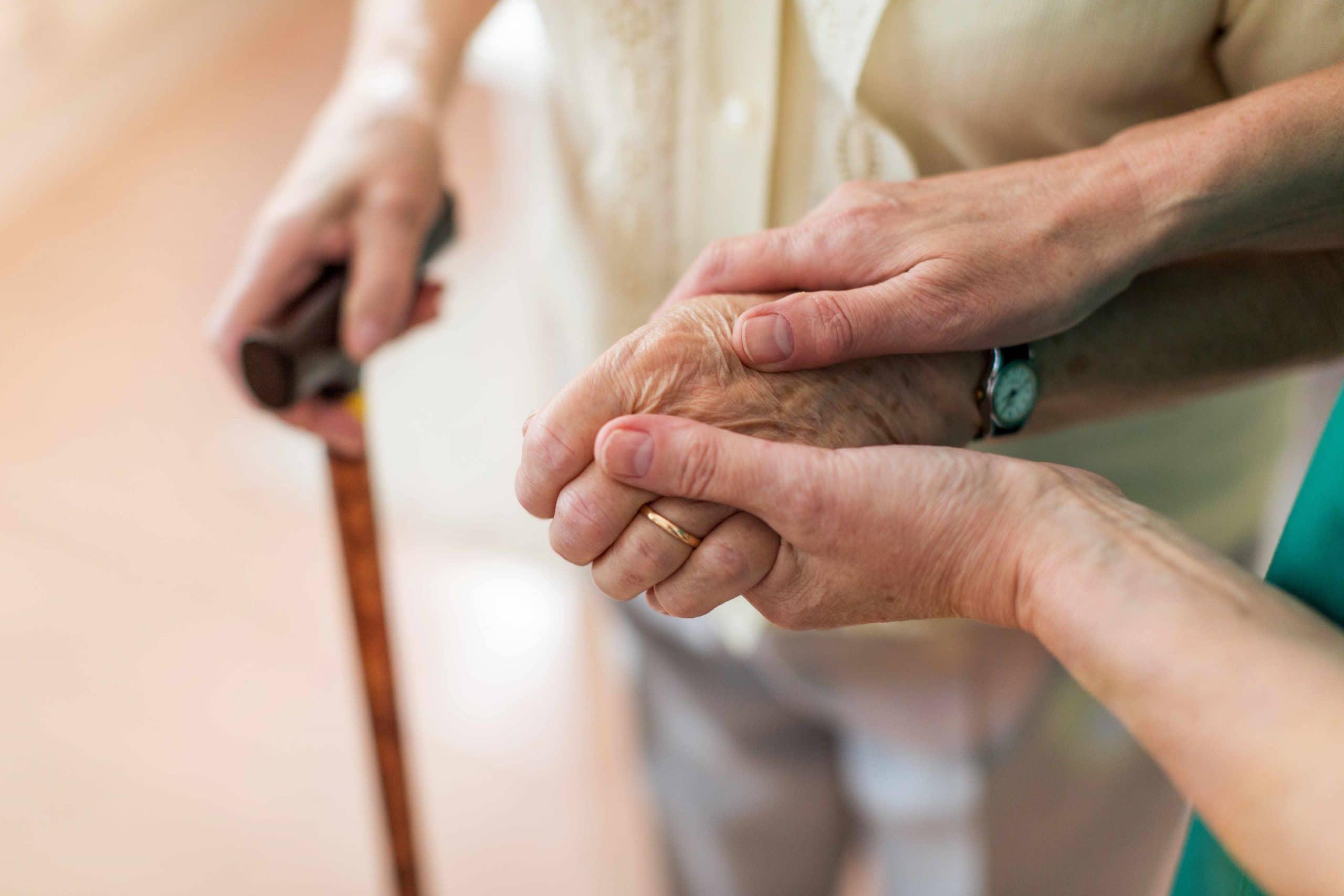 Seniorendienste | R+R Pflegedienst